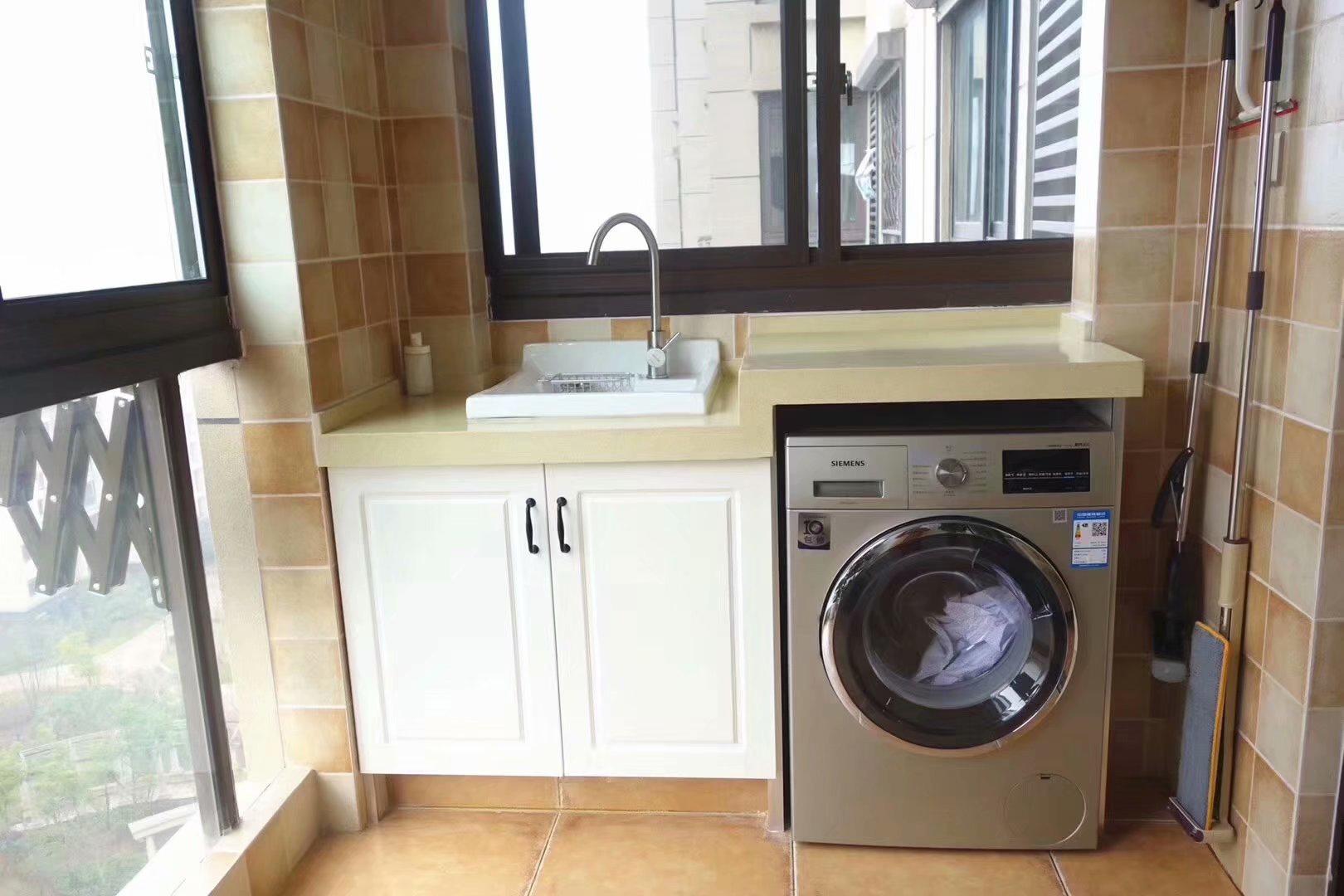 南京阳台砖夹洗衣机柜,瓷砖做的才能更抗晒