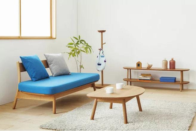 全屋定制家具和木工现场打柜子,你觉得哪个更好?
