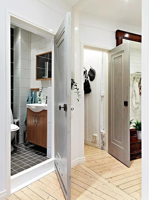卫生间装哪种门最实用?对比一下才知道这种更合适