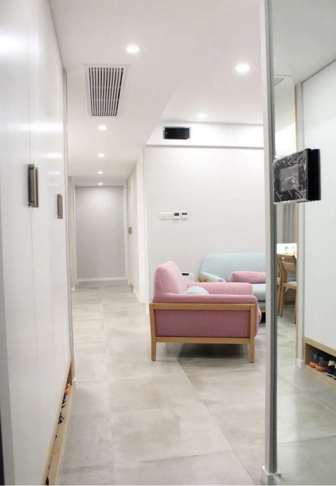 三室两厅的装修案例,沉稳大方舒适的北欧设计,特别有家的味道
